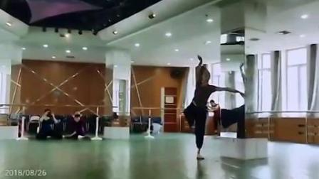 古典舞《芳华》