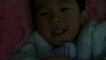 和哥哥笑笑