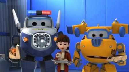 超级飞侠动画片,小猫咪将要卷进机器的时候乐迪把猫咪救了出来