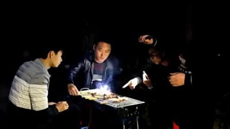 重庆人教你麻辣美蛙鱼家常做法,比水煮鱼好吃,三德子朋友吃嗨了
