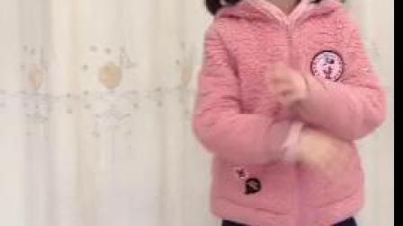 【向栩菲】雨花石,歌词朗诵表演 (,8岁) 她的朗诵表演,热情奔放,声情并茂,感人至深。她还是个品学兼优,德智体美劳全面发展的优秀学生!