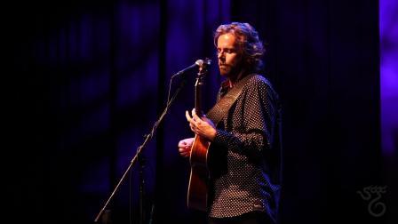 Santa Cruz Guitar Company Presents- James Nash at(4)