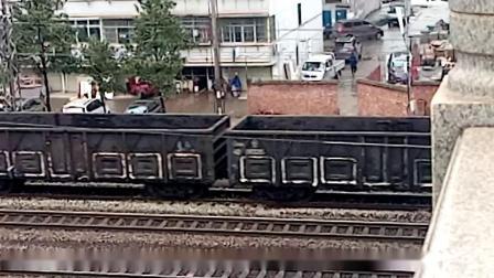 HXD1C0249-货列通过新余市五一路立交桥