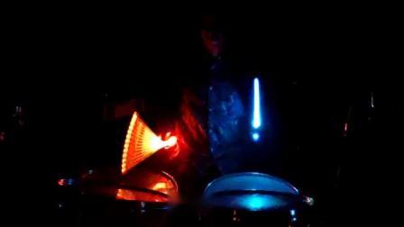 ROCKSTIX 13色发光鼓棒演示 视频 3