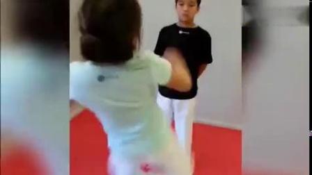 体育运动从熊孩子抓起,运动神经强大的孩子们