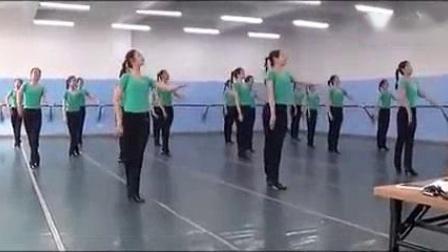 我在内蒙古某艺术学院美女舞蹈《天边》, 跳的太美了!截了一段小视频