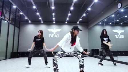 跳动全城舞蹈98K吃鸡舞handclap超帅!_腾讯视频 (3)