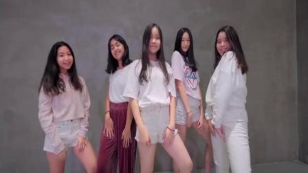 抖音最火舞蹈《LATATA》舞蹈教学, 简单易学 一起来!_腾讯视频 (2)