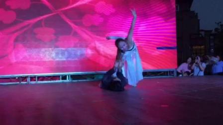 琛韵小天鹅舞蹈学校双人舞《心声》表演者:陈婷婷、杨垚