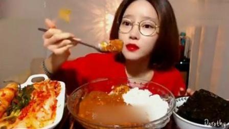 Dorothy欧尼吃播辣咖喱拌饭泡菜