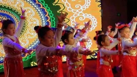 芯芯幼儿园春节文艺汇演-托小班非洲鼓、中大班印度舞