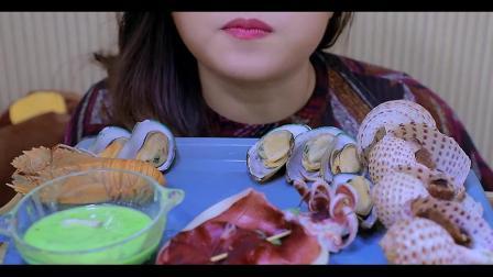 小姐姐吃清蒸海鲜拼盘,每一种海鲜看起来都超级好吃