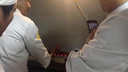 兴陇兰州牛肉拉面培训学校烤羊肉串全过程视频