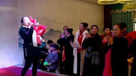 2019大足区龙水镇快乐广场舞团拜会独唱《我的九寨》