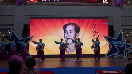 10朝鲜长鼓舞《红太阳照边疆》演出单位:华夏红歌艺术团