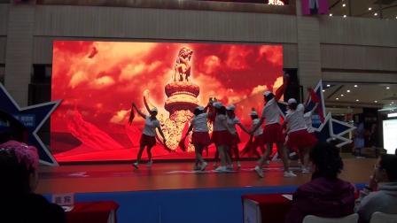 21音乐竹板《十九大精神放光芒》演出单位:舞彩真情舞蹈队