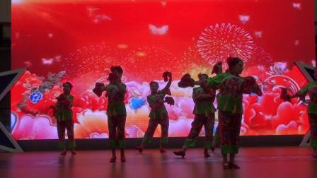 34舞蹈《好兆头》演出单位:文安港梨园活动站