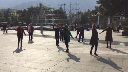 米易藏族广场舞5