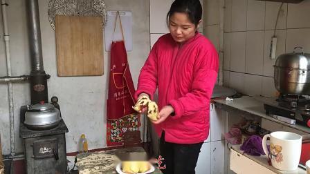 家常红豆沙馒头,飞飞用电饭煲蒸馒头,做法简单相当好吃