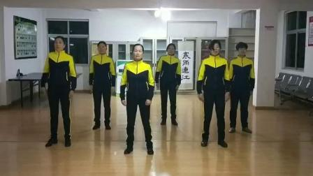 蓬街塘人社区丽人行广场舞队