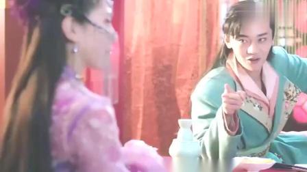 穿越的待嫁王妃,女扮男装入青楼,藏身柜中,见此景