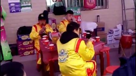 旬阳南区花鼓队刘世汉刘乔带队在铜钱关镇七里赵家碥赵义平家