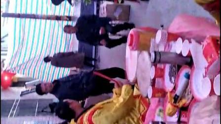 旬阳县南区花鼓队刘世汉刘乔带队在铜钱关镇赵家碥村赵义平家