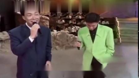 张学友上节目和费玉清合唱《偏偏喜欢你》那时的学友好嫩好青涩!