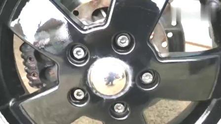实拍VespaGTS300,号称踏板车界爱马仕,感觉如何!