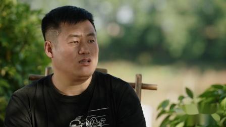 《乡村爱情11》18 宋晓峰卖烤串吃坏客人肚子,找干爹王大拿借钱