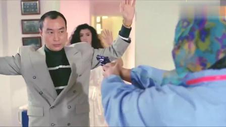 麦嘉不愧是香港搞笑电影的一朵名花,嫉富如仇
