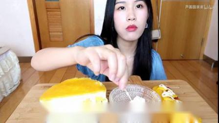 【吃播】拉丝芝士热狗!!芒果慕斯蛋糕,牛奶小方~