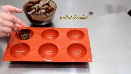 空心巧克力球蛋糕装饰巧克力铲花教程