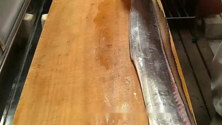 炸带鱼别裹淀粉和面粉了,用它上浆,带鱼外脆里嫩,香酥脆