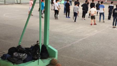【一起胡搞吧V】同学们在上体育课【yiqihugaobaV】