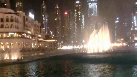 迪拜夜下的音乐[喷泉夜