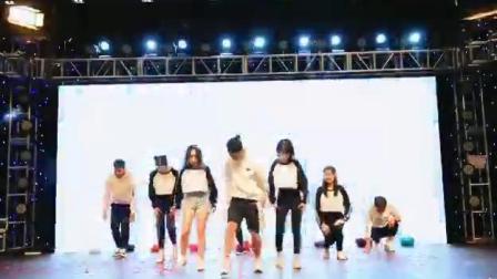 2019新七天年会开场舞-剪辑
