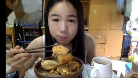 吃播小姐姐,吃一大堆北京糕点,这顿饭前甜点看着就很丰盛