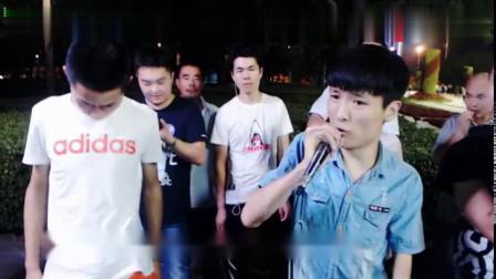 王亮演唱《西海情歌》用心在唱歌太好听,励志歌手!