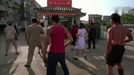 我在少林足球中经典的一段, 酱爆的动作喜感足, 主角光环都被他抢走了截了一段小视频