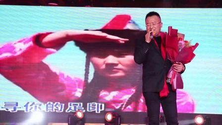 歌曲《天边》演唱者:杨平
