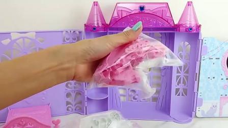 拆箱芭比梦幻公主城堡,布置好芭比的卧室