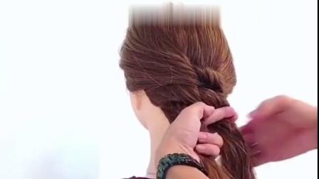 女人过了40岁千万别剪短发,那样显老,试这款发型,让你减龄20岁