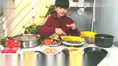 大胃王阿伦今天吃:佛跳墙、炖鸡、牛排、蟹粉盖面、煎三文鱼等等