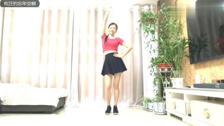 广场舞《38度6》节奏感真强,被姐姐的舞姿撩到了,循环播放中