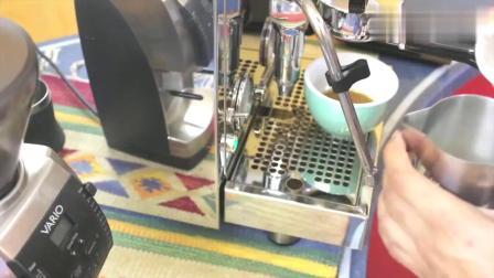 怎么做拿铁咖啡?用咖啡机制作美味经典拿铁咖啡全过程