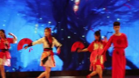 【节选】陕西省汉中中学2018年艺术节文艺汇演--高二(13)班《寄明月》