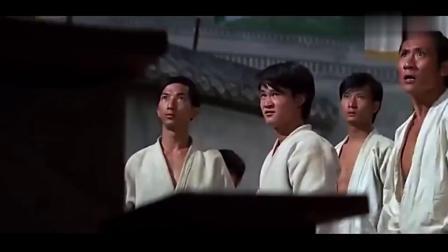 日本人设下比武擂台,谁料功夫高手一只手就把日本人干掉了,痛快