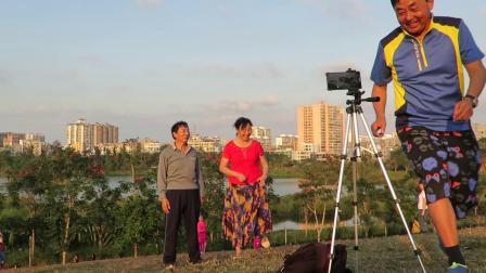 海口美舍河凤翔湿地公园北京游人欢声笑语歌舞相伴精彩视频