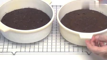牛人做的巧克力蛋糕,切块后太惊喜了